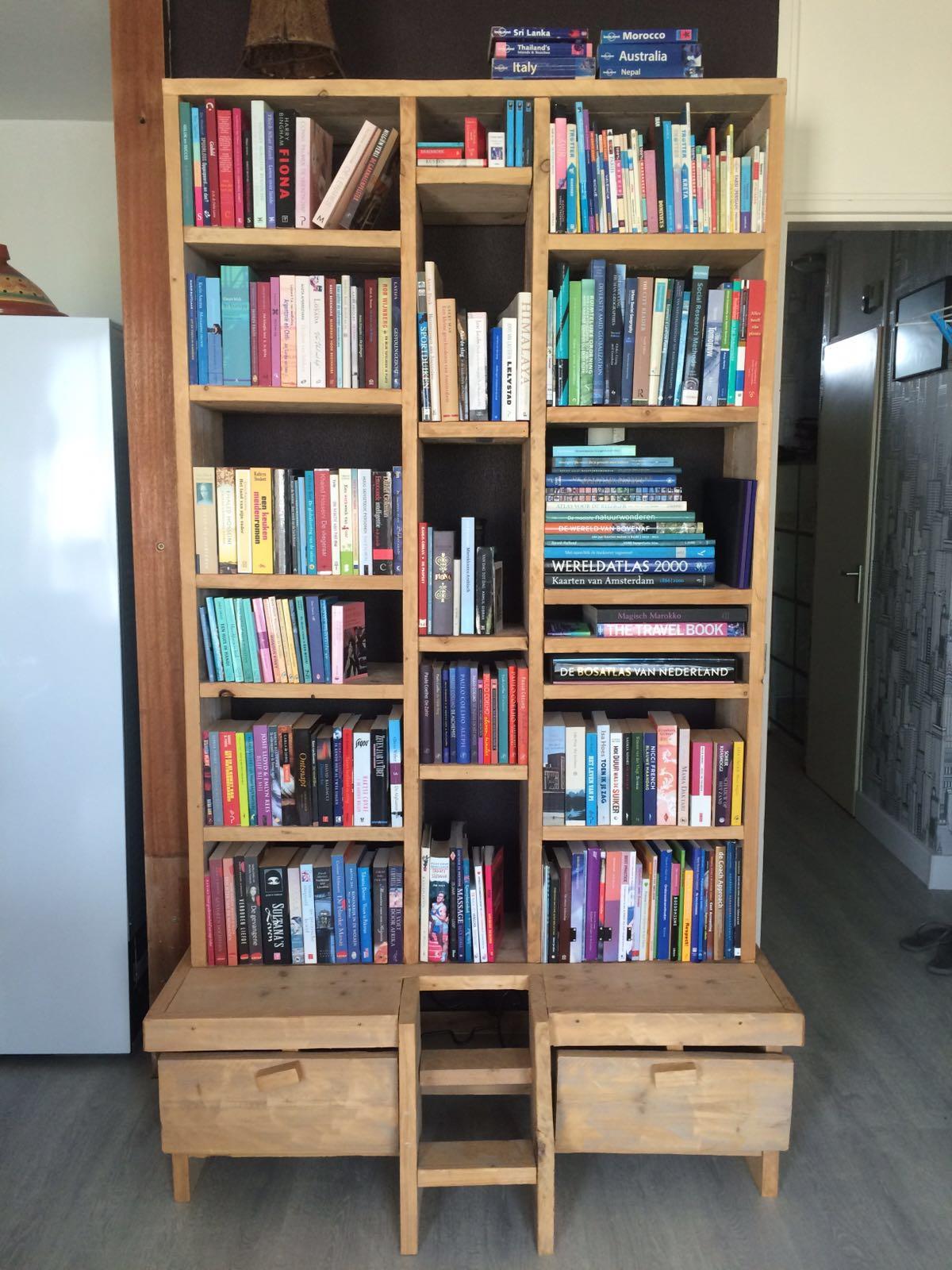 rbbhoutwerk boekenkast steigerhout